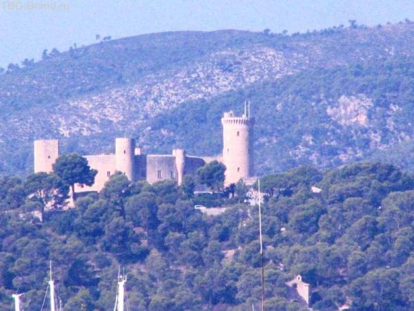 Вид на замок Бельвер