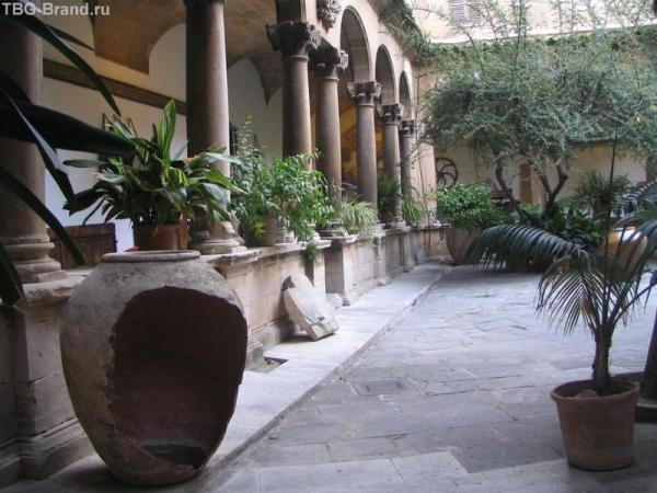 Арабские бани. Крытая галерея