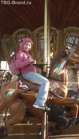 Скачут, скачут деревянные лошадки... Карусель. Порт Авентура