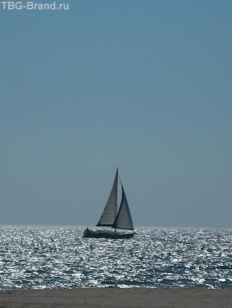 Белеет парус одинокий в тумане моря голубом...Салоу
