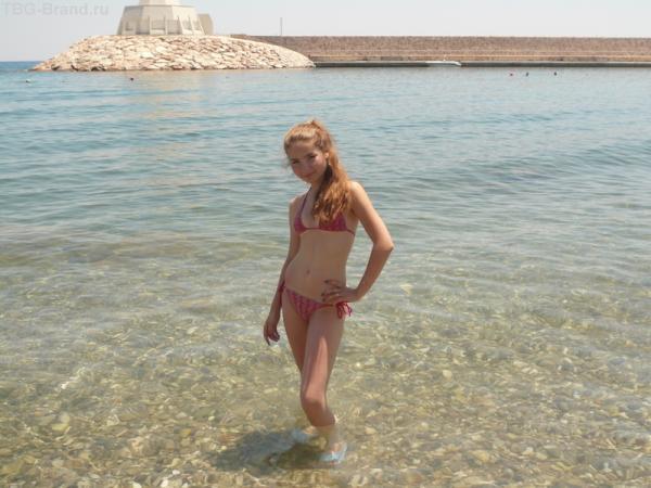Пирс, защащающий первый пляж от волн