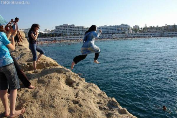 Развлечения Тунисских девушек.