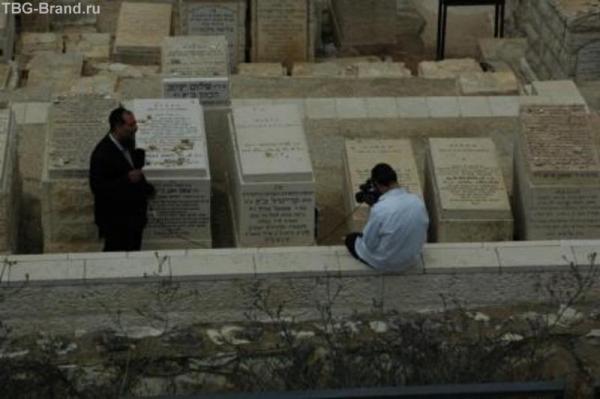 стендап на кладбище