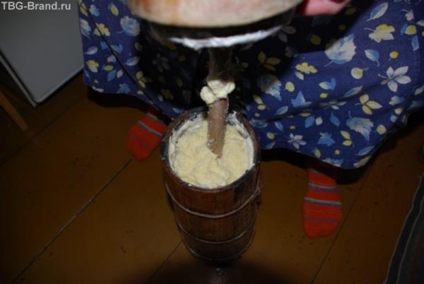ну ка поднимите руки кто пробовал масло сделанное из свежего молока таким образом?