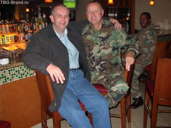 достойно отдельной истории о том. как мы стоварищем вступали в НАТО в Копенгагене, на заднем плане полковник, который был мною послан и как полковник рядовым, и как потенциальный противник и еще по этническому признаку, это у меня после Нью-Йорка