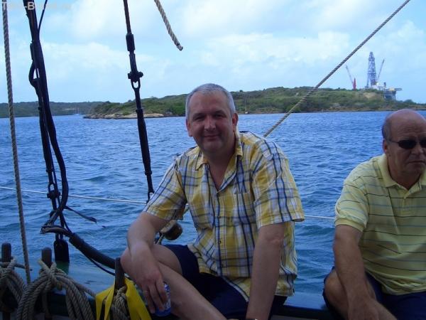 Остров Кюрасао на заднем плане. Плывем однако.