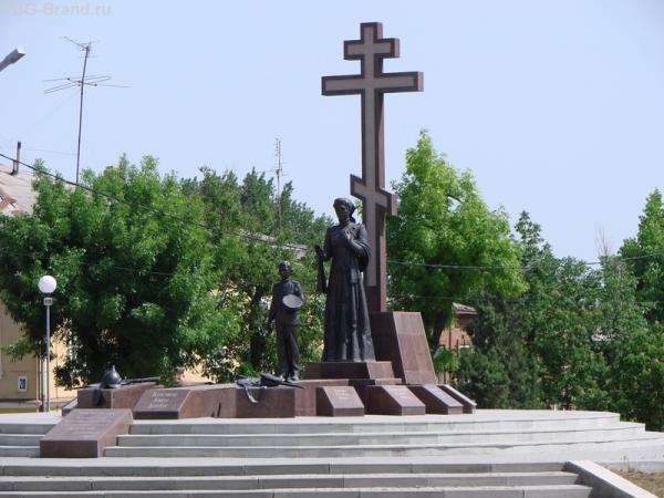 Тоже новый памятник памяти всех павших казаков.