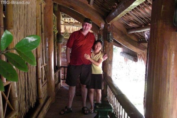 а эта сильная вьетнамская женжина была моей массажисткой