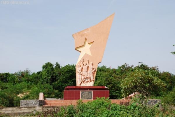 Памятник героям последних войн.