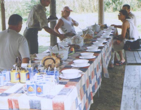 Обед после посещения лотосов