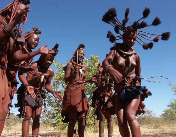 Танец (племя химбе)