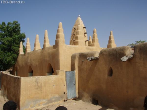 Мечеть в том же суданском стиле