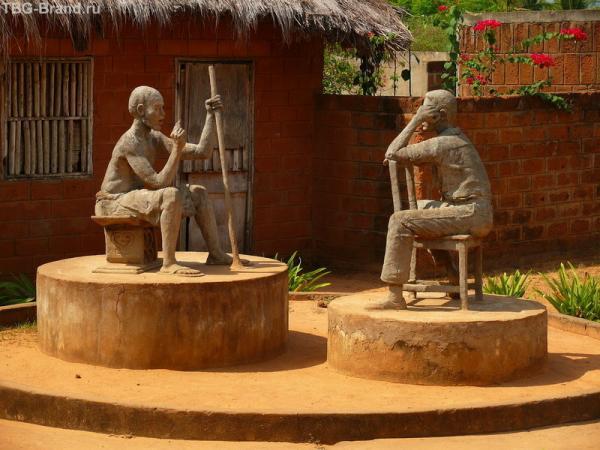 Скульптурная композиция в центре города - Диалог поколений.