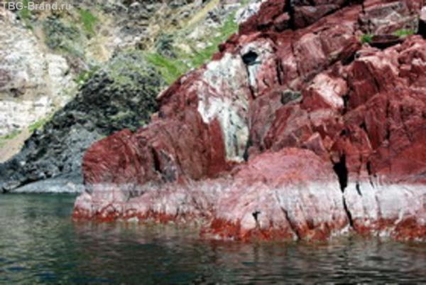 Скалы из Яшмы