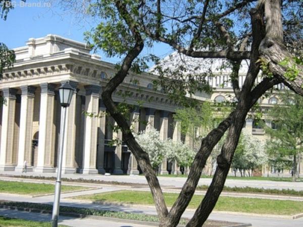 Суровый Новосибирский оперный