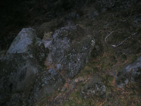 Скалы под нами на канатке