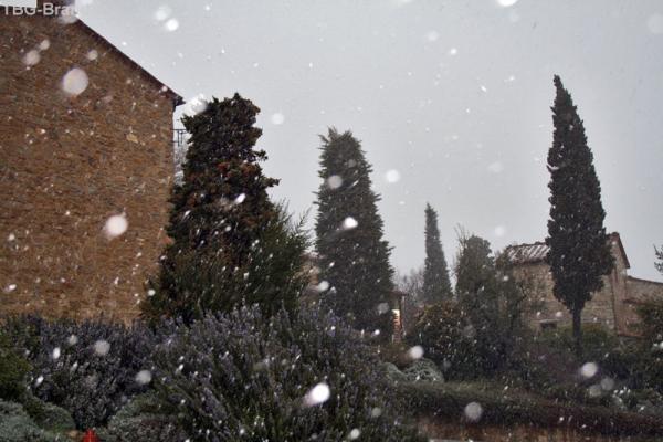 пошел снег...