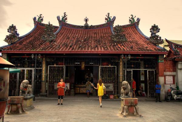храм и прихожане