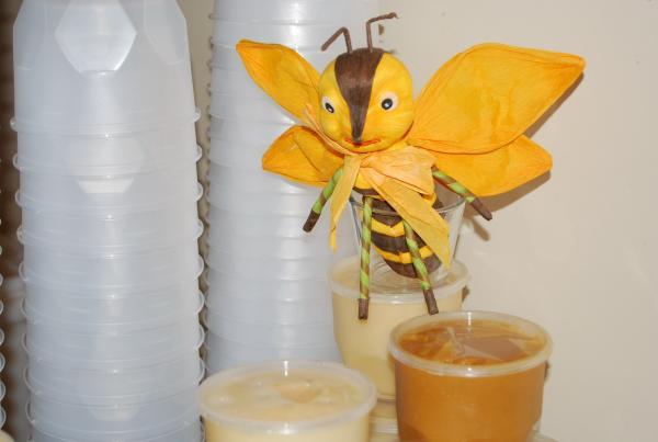 пчела - всему голова
