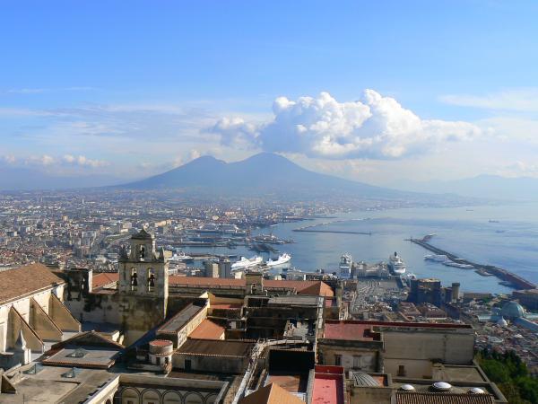 Неаполь - жемчужина у моря