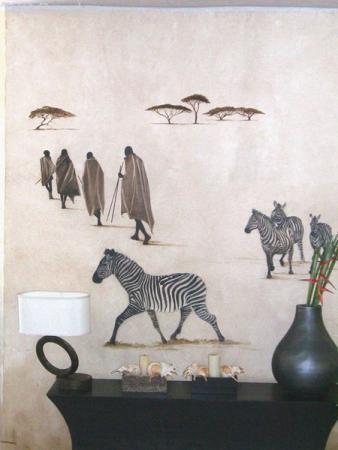 роспись на стене отеля