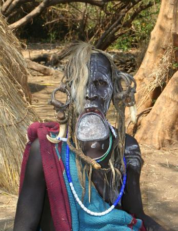 Красота - это СТРАШНАЯ сила! Племя Мурси