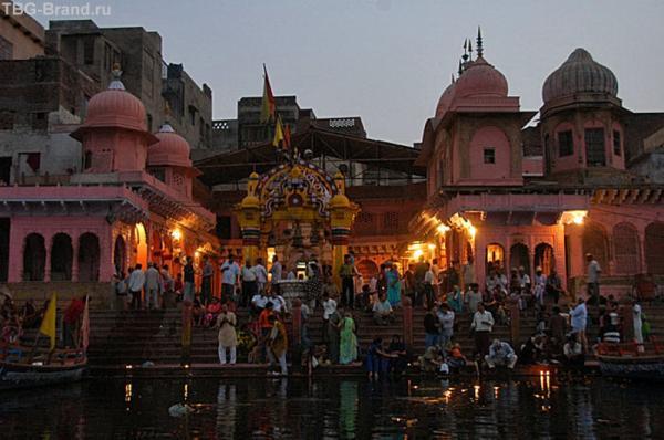 Огненная церемония в Матхуре