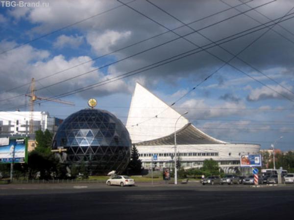 Театр Глобус (то, что в виде паруса)
