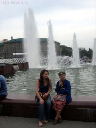 фонтан у ГПНТБ