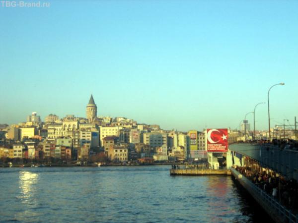 Вид на башню Галата и галатский мост