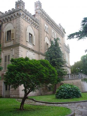 5. Замок острова.