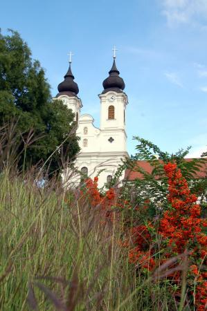 Церковь древнего аббатства.