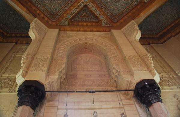 Резной декор мечети