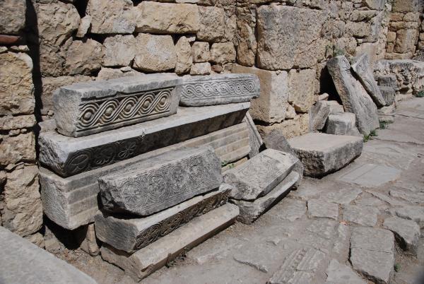 Внутренний двор храма Николая Чудотворца в Демре