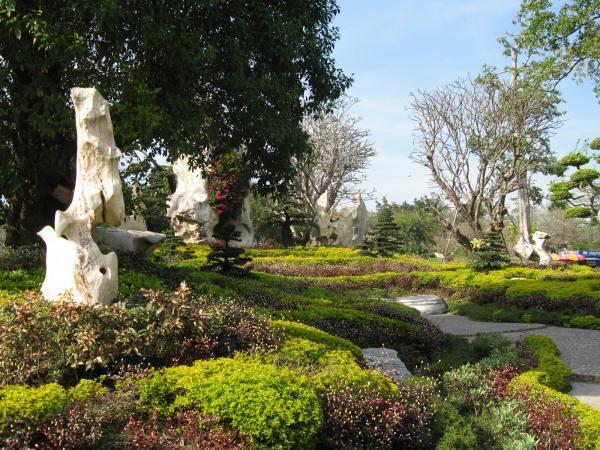 Сад цветов и камней
