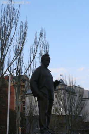 Памятник Шолохову
