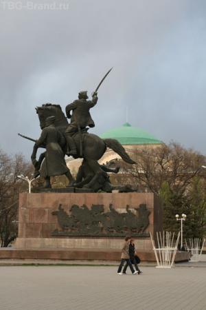 Памятник в сквере на Б.Садовой