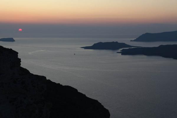 закат на Санторини - удороги в порт