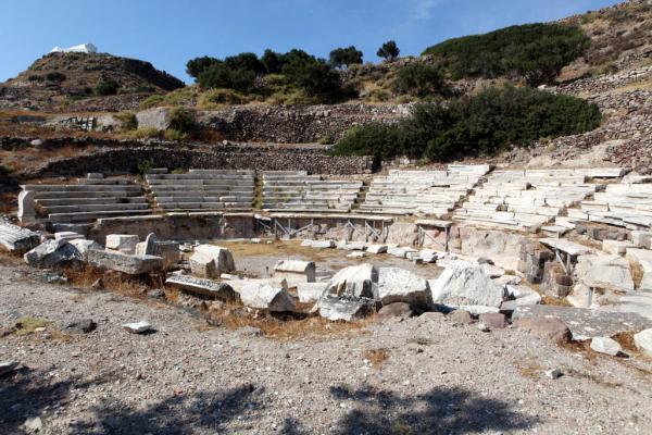 древний театр на острове МИлос