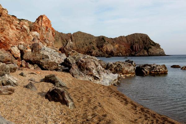 пляж на острове Милос-4