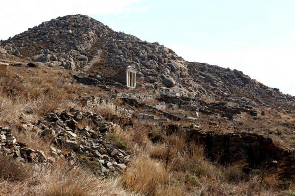 пуины храма и каменная лестница