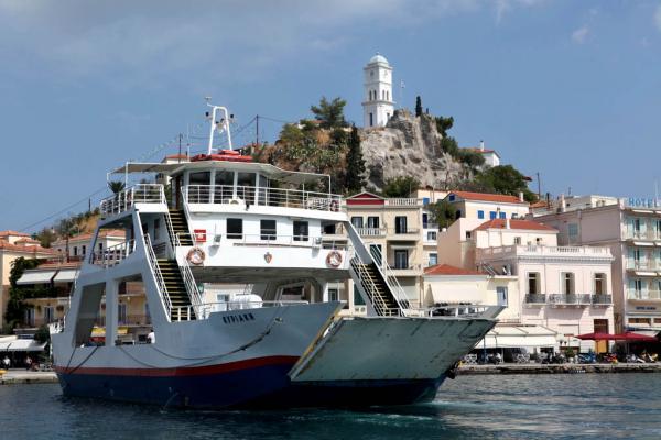 Парос с острова Парос на полуостров Пелопоннес