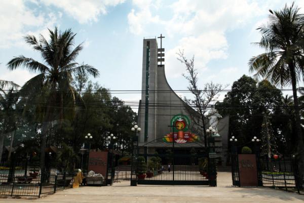 католический храм по дороге из Сайгона во Фан Тьет