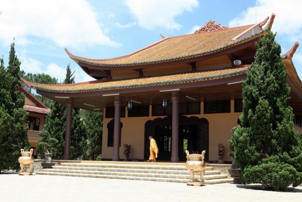 Далат - пагода