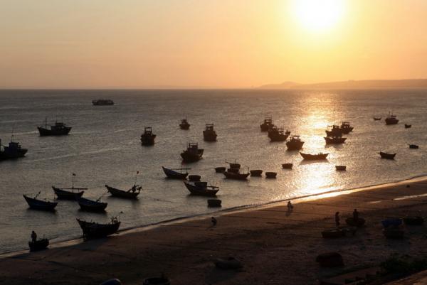 закат около  рыбацкой деревни Муй Не