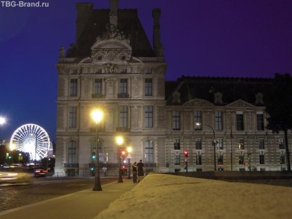 Лувр и колесо обозрения