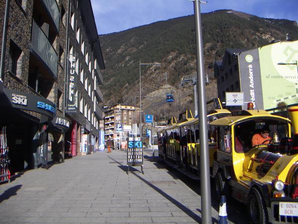 лыжный транспорт ENCAMP