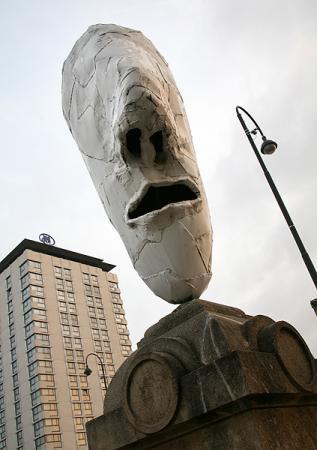 Скульптуры на улицах