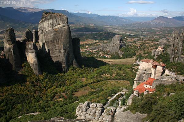 Фессалийская долина и женский монастырь Русану.