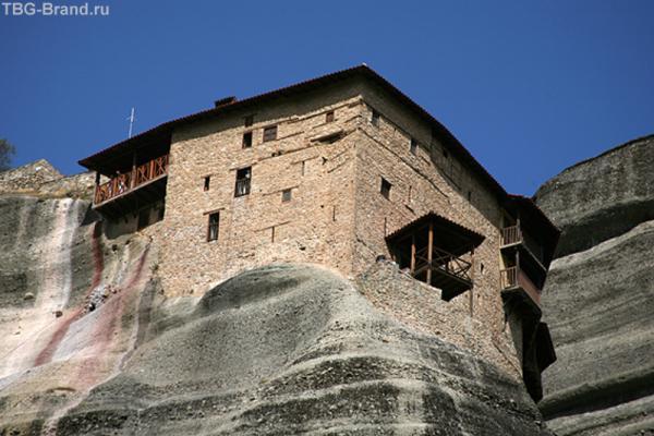 Мужской монастырь Святого Николая Анапавсаса.Стены храма внутри украшены фресками выдающегося критского иконописца.
